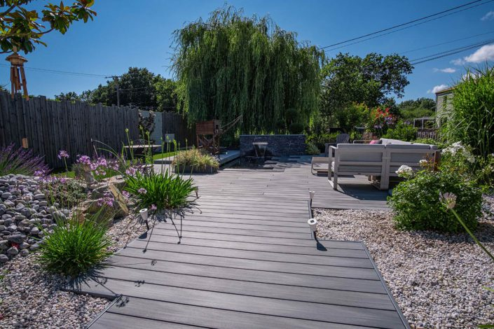 Terrasse Pornic terrasse en composite autour d'un bassin - Au Jardin des Rêves